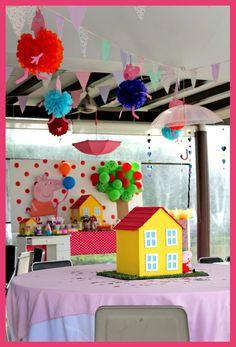 Pippa pig party ideas. Decoración de fiesta de Peppa pig! Detalles, postres, centros de mesa, Photo booth. www.facebook.com/pmasideco
