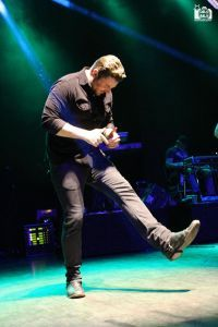 cy3 Male Country Singers, Country Musicians, Country Music Artists, Chris Young Concert, Chris Young Songs, Alan Young, Country Music Concerts, Jake Owen, Thomas Rhett