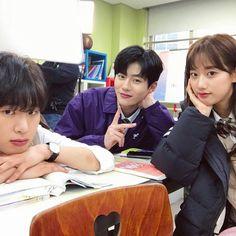 Korean Best Friends, Boy And Girl Best Friends, Ulzzang Korean Girl, Ulzzang Couple, Best Friend Pictures, Friend Photos, Teen Web, Korean Couple Photoshoot, Boy Squad