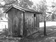 Old Corn Crib taken and uploaded by @aprilsmommy04