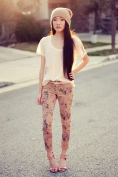 Floral-jeggings-2020ave-jeans-beanie-2020ave-hat-crosses-2020ave-belt