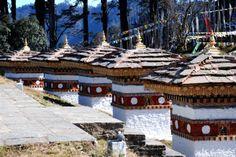 On the Road to Punakha / Bhutan