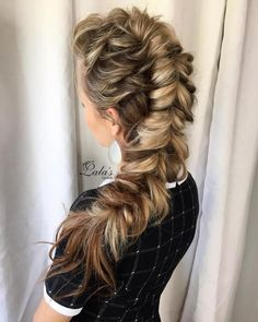 Master the art of pull through braid technique and you will never have a boring hair day again. Check 20 best ideas and tutorials! Box Braids Hairstyles, Braided Hairstyles Tutorials, Pretty Hairstyles, Wedding Hairstyles, Teenage Hairstyles, Updo Hairstyle, Wedding Updo, Braided Mohawk Hairstyles, Graduation Hairstyles