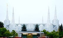 Portland, Oregon: Gotta hand it to the Mormons...they sure do build some amazing temples!