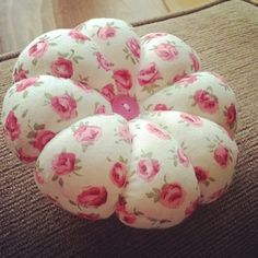 katiessewingwithlove's photo: I  pin cushions :) #sewing #sewingwithlove #embroidery #pin #pincushion #floral #button #gift #craft