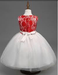 Image result for vestidos de nenas para casamientos con petalos Girls Dresses, Flower Girl Dresses, Crystal Wedding, Wedding Centerpieces, Christmas Ornaments, Holiday Decor, Wedding Dresses, Fashion, Dresses Of Girls