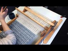 How to Warp and Weave Log Cabin on a Rigid Heddle Loom - YouTube