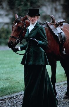 Side Saddle Elegance Nicole Kidman in Far and Away Celebrities Famous People Riding Horses. Learn about #HorseHealth #HorseColicwww.loveyour.horse