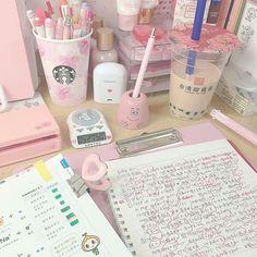 Study Room Decor, Study Rooms, Study Space, Desk Inspiration, Bullet Journal Inspiration, Aesthetic Rooms, Pink Aesthetic, Study Desk Organization, Cute Desk