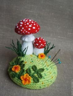 ideas for crochet pin cushions Crochet Fairy, Crochet Home, Crochet Gifts, Cute Crochet, Irish Crochet, Crochet Flower Patterns, Crochet Motif, Crochet Flowers, Knit Crochet