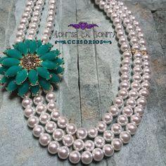 Este collar lo tenemos con diferentes colores de Flor! Tú eliges si lo compras en la TIENDA ONLINE en www.montselabonita.com o directamente en nuestro Showroom o vía Whatsapp al 22.88.48.55.52