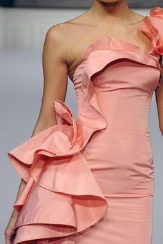 Love the colors and the ruffles...