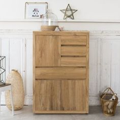 Tikamoon, interior furniture specialists, supply sideboards in high quality solid woof. Take a look at the Tikamoon online store. Solid Wood Sideboard, Teak Sideboard, Raw Wood Furniture, Eco Furniture, Buffet Teck, Large Drawers, Wood Construction, Wood Species, Storage Spaces