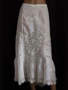 Embroidered handkerchief linen skirt trimmed with Irish crochet, c.1905