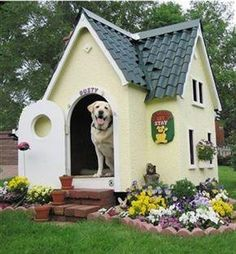 How to Build A Dog House Dog House Designs Ideas How to Build A Dog House. Dog houses are now not just a matter of shelter for dogs. I Love Dogs, Cute Dogs, Awesome Dogs, Cool Dog Houses, Amazing Dog Houses, Pet Houses, Dream Houses, Tiny Houses, Animal House