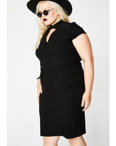 Killstar clothing and accessories available to shop at Dolls Kill. Find tons of Kill Star tees, Kill Star beanies and Kill Star leggings at Dolls Kill. Plus Size Crop Tops, Plus Size Skirts, Plus Size Outfits, Killstar Clothing, Plus Size Clothing Stores, Maxi Shirts, Lace Bustier, Pin Up Dresses, Plus Size Beauty