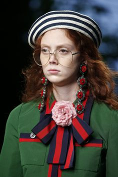 1f4f671744 See detail photos for Gucci Spring 2016 Ready-to-Wear collection. High  Fashion