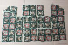 Tejiendo un clásico: tu propia chaqueta granny - Black Crochet Dress, Crochet Coat, Crochet Jacket, Crochet Cardigan, Crochet Clothes, Dress Black, Pull Crochet, Hippie Crochet, Love Crochet