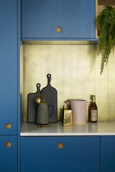 Brass Kitchen Splashbacks - From Affordable to Luxe | Audenza