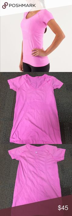 EUC lululemon swiftly tech v neck price is negotiable as always :) no flaws, only worn a few times! lululemon athletica Tops Tees - Short Sleeve