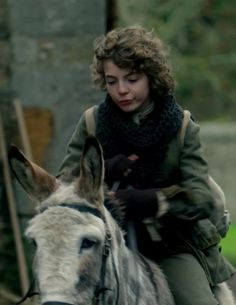"Fergus in Episode 208 ""The Fox's Lair"" of Outlander Season Two on Starz via https://outlander-online.com/2016/05/28/1800-uhq-1080p-screencaps-of-episode-2x08-of-outlander-the-foxs-lair/"