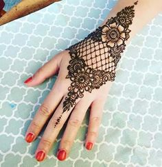 Explore latest Mehndi Designs images in 2019 on Happy Shappy. Mehendi design is also known as the heena design or henna patterns worldwide. We are here with the best mehndi designs images from worldwide. Henna Hand Designs, Mehandi Designs, Mehndi Designs Finger, Indian Mehndi Designs, Modern Mehndi Designs, Mehndi Design Pictures, Mehndi Designs For Fingers, Beautiful Mehndi Design, Latest Mehndi Designs