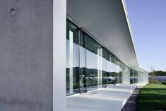 Gallery of Aseptic Office and Lab / AUM architecture - 2