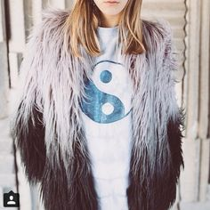 Thanks to @asosmarketplace for regramming our one-off, recycled ying yang tee!  For more photos look at ASOS.mp/adorned or adorneduk.co.uk/shop ✌️✌️ Photo by @esmemaiphotography  #adorned #boho #bohemian #ecofashion #ethicalfashion #reworked #recycled #upcycled #yingyang (hier: ✨ ADORNEDUK.CO.UK ✨)