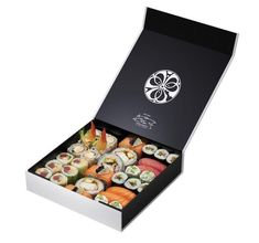Lots of existing sushi packaging incorporates the Japanese flag. In Western culture sushi is still new and it is almost a novelty, it's exciting and different to a lot of other products, and … Arte Do Sushi, Sushi Co, Sushi Menu, Sushi Lunch, Lunch Box, Food Box Packaging, Food Packaging Design, Sushi Design, Food Design