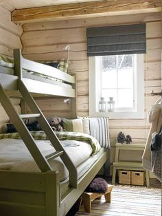 Single on top, double below Bunk Rooms, Bunk Beds, Cabin Homes, Log Homes, Lit Simple, Little Cabin, Cabin Interiors, Cabins And Cottages, Bedroom Decor