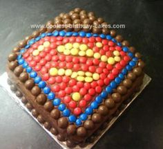 Titus b-day cake possibility. Homemade Superman Cake: This Superman cake is a simple idea, fiddly to do, but looks great! This was made by me for my friend's birthday as he is Superman mad. He is also an adult. Superman Birthday, Superhero Birthday Party, Cool Birthday Cakes, Birthday Cake Ideas For Adults Men, Superman Party, 5th Birthday, M&ms Cake, Cake Cookies, Cupcake Cakes