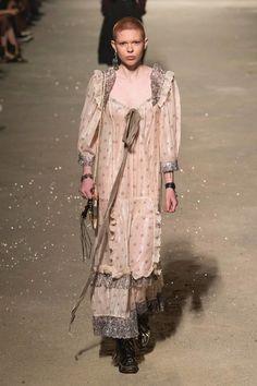 adb3346b7c 804 fantastiche immagini su maxi abiti nel 2019   Moda da Donna ...