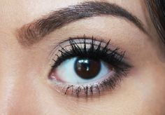 DIVYANKA: Natural Smokey Eye