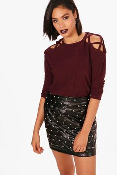 Click here to find out about the Freya Rib Long Sleeve Strappy Shoulder Top from Boohoo, part of our latest SALE collection ready to shop online today!
