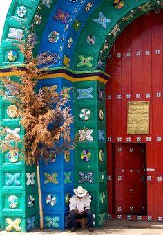 Again, the colors blow me away! [San Juan Chamula, Chiapas]