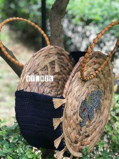 Diy Bags Purses, Diy Purse, Tote Purse, Purses And Handbags, Green Bag, Crochet Projects, Straw Bag, Creations, Crochet Patterns