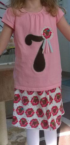 Bambiparty: Gebutrstagsshirt mit passendem Rock zum 7. Geburtstag