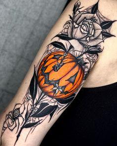 Dope Tattoos, Spooky Tattoos, Unique Tattoos, Leg Tattoos, Beautiful Tattoos, Body Art Tattoos, Tattoo Drawings, Sleeve Tattoos, Cute Halloween Tattoos