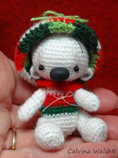 Merry Mini Holiday Chibi Crochet Bear of Thread Teddy Bear Artist Calvina Walsh #Christmas