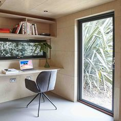 This prefabricated garden studio in suburban London combining guest accommodation with a home office is clad with sustainable cedar wood Garden Office Shed, Backyard Office, Backyard Studio, Garden Sheds, Home Office Design, Home Office Decor, Home Design, Home Decor, Tiny Home Office