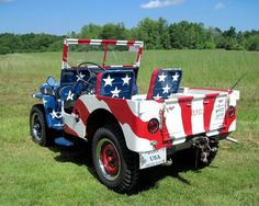 Patriotic Cars with American Flag Paint Job Pin Up Girls, Auto Body Repair Shops, American Flag Painting, Patriotic Pictures, Biker, Jeep Wagoneer, I Love America, Jeep 4x4, Jeep Willys