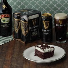 Infuse this Guinness cake with Baileys Original Irish Cream for a St. Paddy's Day treat your guests will crave! Irish Cream Cake, Baileys Original Irish Cream, Guinness Cake, Irish Recipes, Root Beer, Yummy Food, Yummy Recipes, Recipies, Soul Food