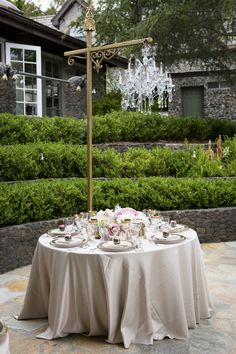 #tablescapes  Photography: Catherine Hall Studios - catherinehallstudios.com  Read More: http://www.stylemepretty.com/california-weddings/2014/12/15/elegant-spring-malibu-wedding/