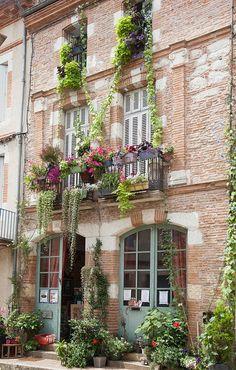 Auvillar ~ Tarn-et-Garonne ~ France