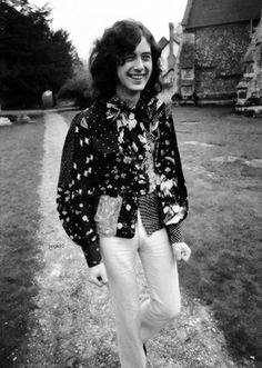 tangerine, tangerine Leslie Page — Jimmy Page Homestory Pangbourne Boathouse Part. Led Zeppelin, Jimmy Page, Jimmy Jimmy, Great Bands, Cool Bands, Hard Rock, Rock N Roll, Blues, John Bonham