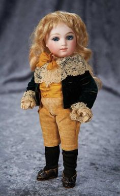 Very Rare Petite French Bisque Bebe A.T., Size 1, by Andre Thuillier 11,000/16,000 Auctions Online | Proxibid