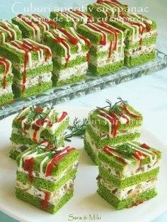 Spinach cubes with fresh cheese / feta and mushrooms (Romanian dish) A verita . - Spinach cubes with fresh cheese / feta and mushrooms (Romanian dish) A real soft, creamy and fragra - Sandwich Cake, Tea Sandwiches, Tapas, Appetizer Recipes, Appetizers, Food Decoration, Food Platters, Food Presentation, Creative Food