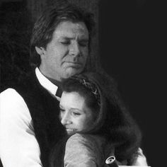 Harrison Ford and Carrie Fisher on the set of Return of the Jedi The Force Star Wars, Leia Star Wars, Carrie Fisher Harrison Ford, Han And Leia, Star Wars Film, Star Wars Ships, Queen, Movie Photo, Princess Leia