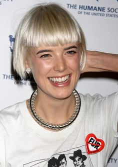 Google Image Result for http://www.hairstyleagain.com/wp-content/uploads/2012/01/03/2012-2009-haircut-Agyness-Deyn-bob-haircut-1.jpg