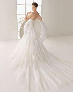 Sheath Wedding Dress : DANDY :: Organza and tulle gown in ecru